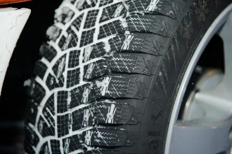 Сезонное хранение зимних колес на складе